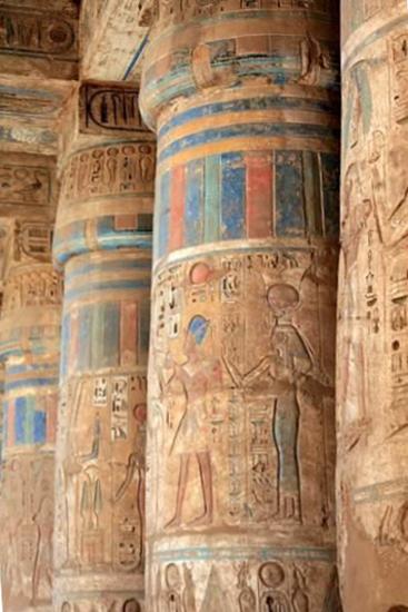 ساخت ستون هاي متعدد با نقاشی و کنده کاري