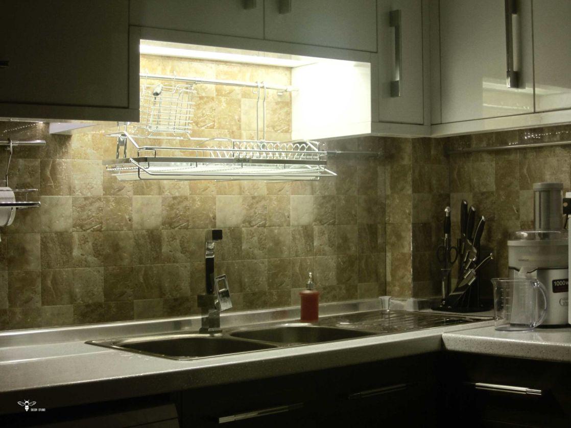 آبچک طراحی شده مدرن و نورپردازی کاربردی آن ( استودیو معماری دیدا )
