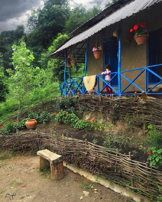 ایوان خانه در منطقة کنارة دریای خزر