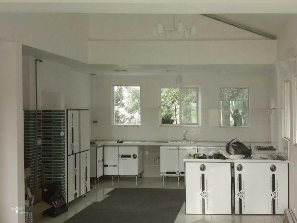 نصب کابینت آشپزخانه ویلایی در شمال - استودیو معماری دیدآ