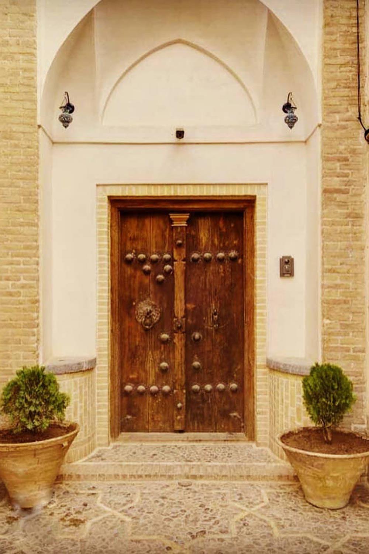 نمونه ای از ورودی های خانه های قدیمی با اجزای آن