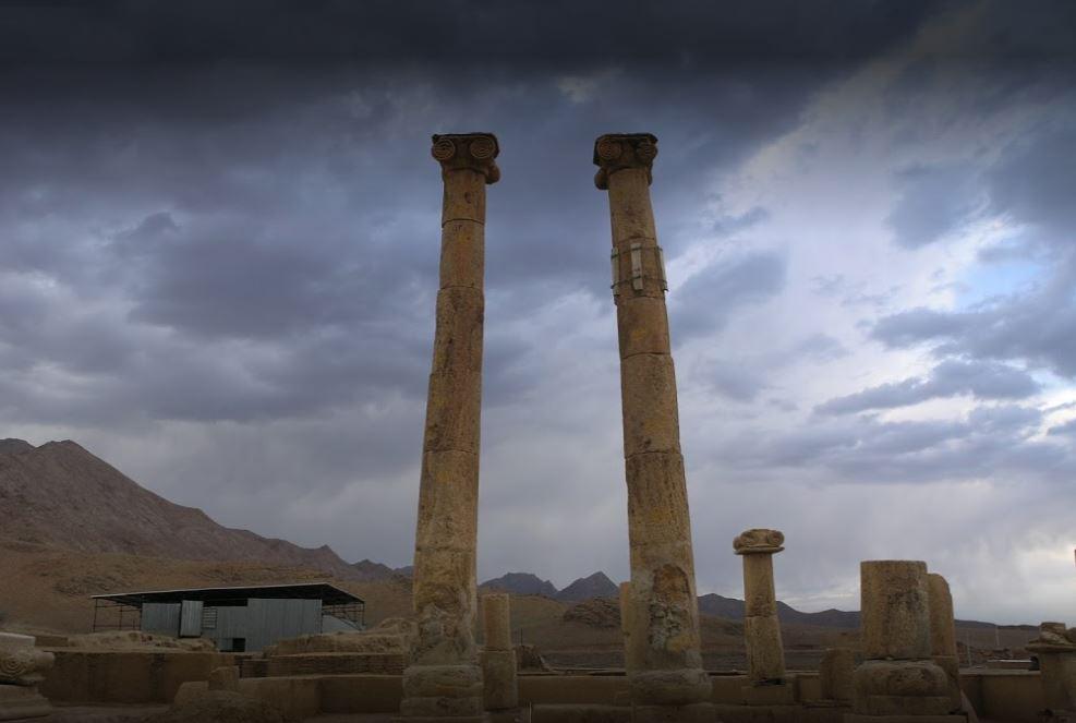 جزئیات ستون های معبد خورهه