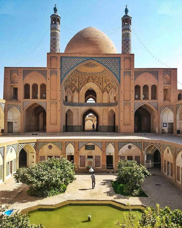 کاشان، گودال باغچة مدرسه و مسجد آقا بزرگ