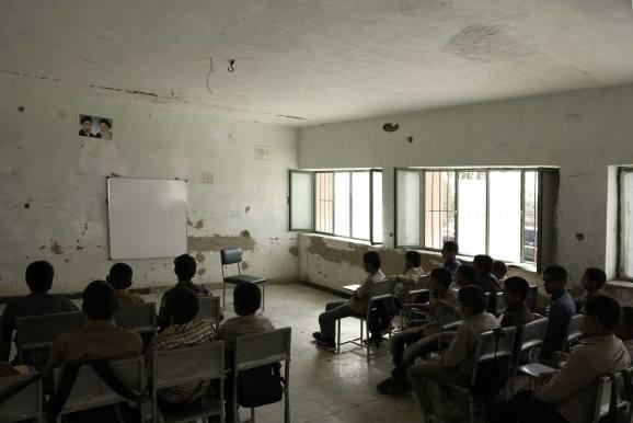 عکس برداشت پروژه مدرسه ی ابتدایی 6 کلاسه ی جیرفت