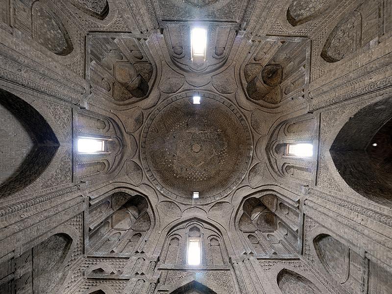 اصفهان، گنبد تاج الملک مسجد جمعه