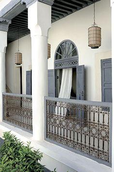 ستون و دیوارها در طراحی معماری