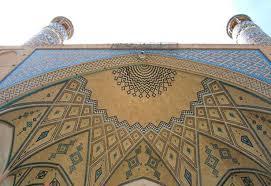 کاشان، مسجد آقا بزرگ ، کاشی معقلی
